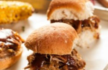 Healthy Pulled Chicken Sliders