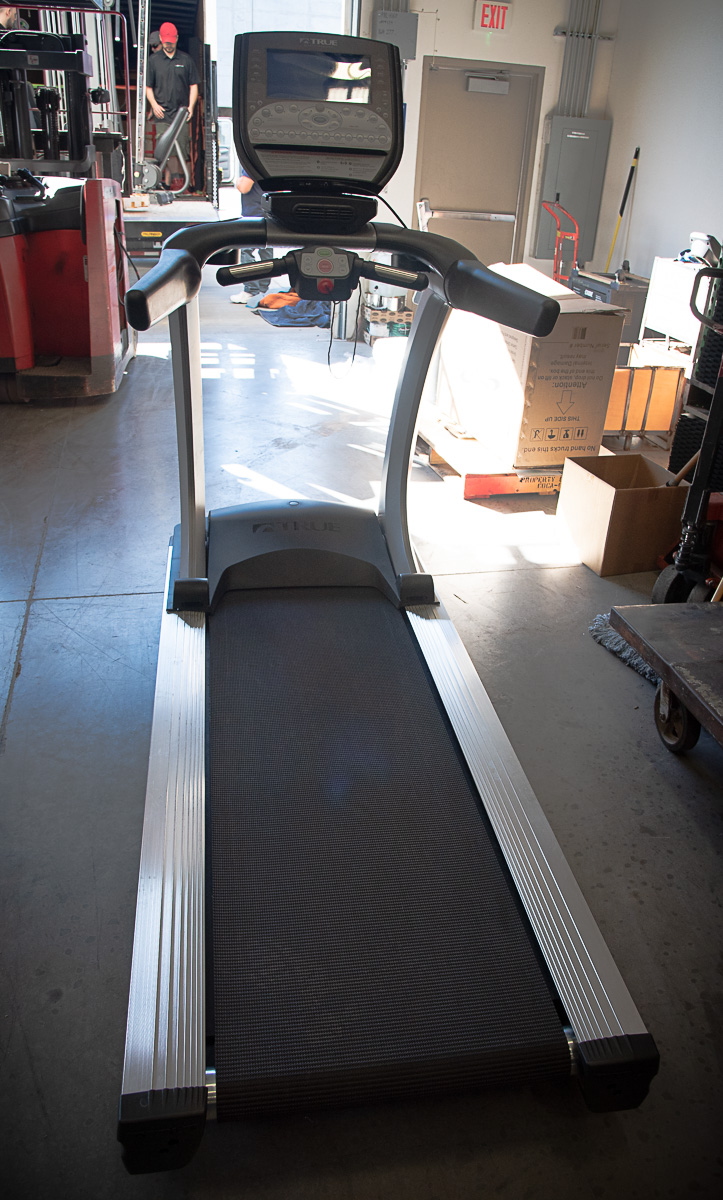 TRUE ES900 Treadmill with LCD Display